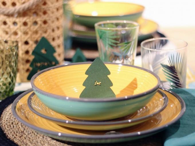 Adorno arbolito mediano verde en plato
