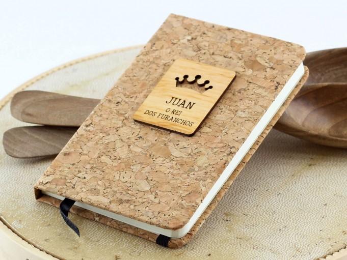 Cuadernito de corcho con corona - Juan