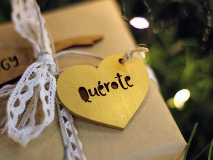 Etiqueta corazón con mensaje - dorado - quérote