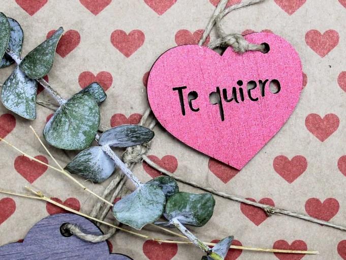 Etiqueta corazón con mensaje - amaranto - Te quiero