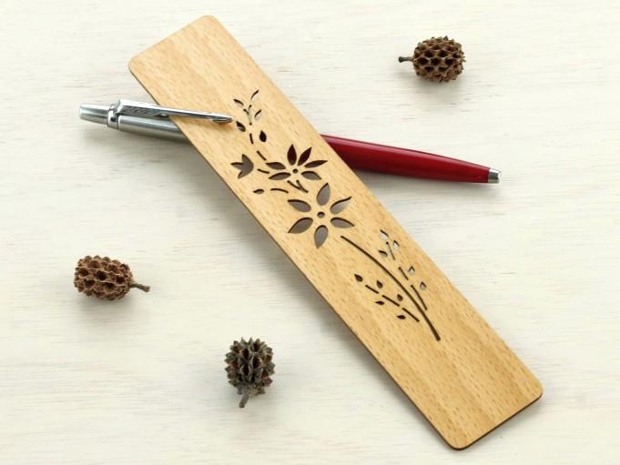 Marcapáginas Florecillas en madera de haya