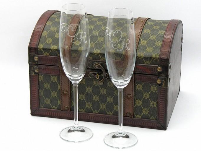 Grabado de copas y vasos