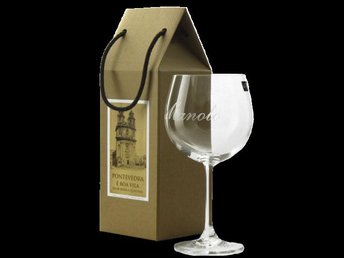 Copa Borgoña 570 ml. con nombre Manolo en cajita regalo