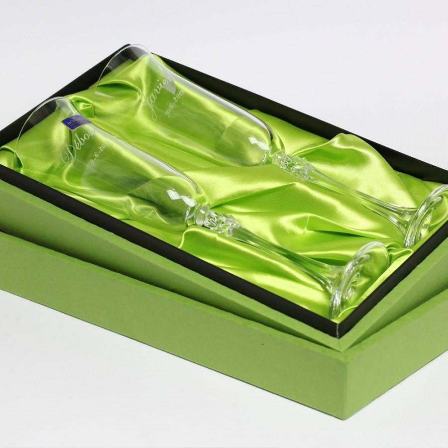 Copas de champán en estuche verde